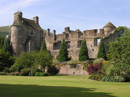 Six Must Visit Locations In Fife For Outlander Fans as well Duncan Phyfe together with 16 Interesting Scottish Castles additionally Franzoesische 40 Kanonen Fregatte moreover John anstruther  british army officer. on 18th century fife