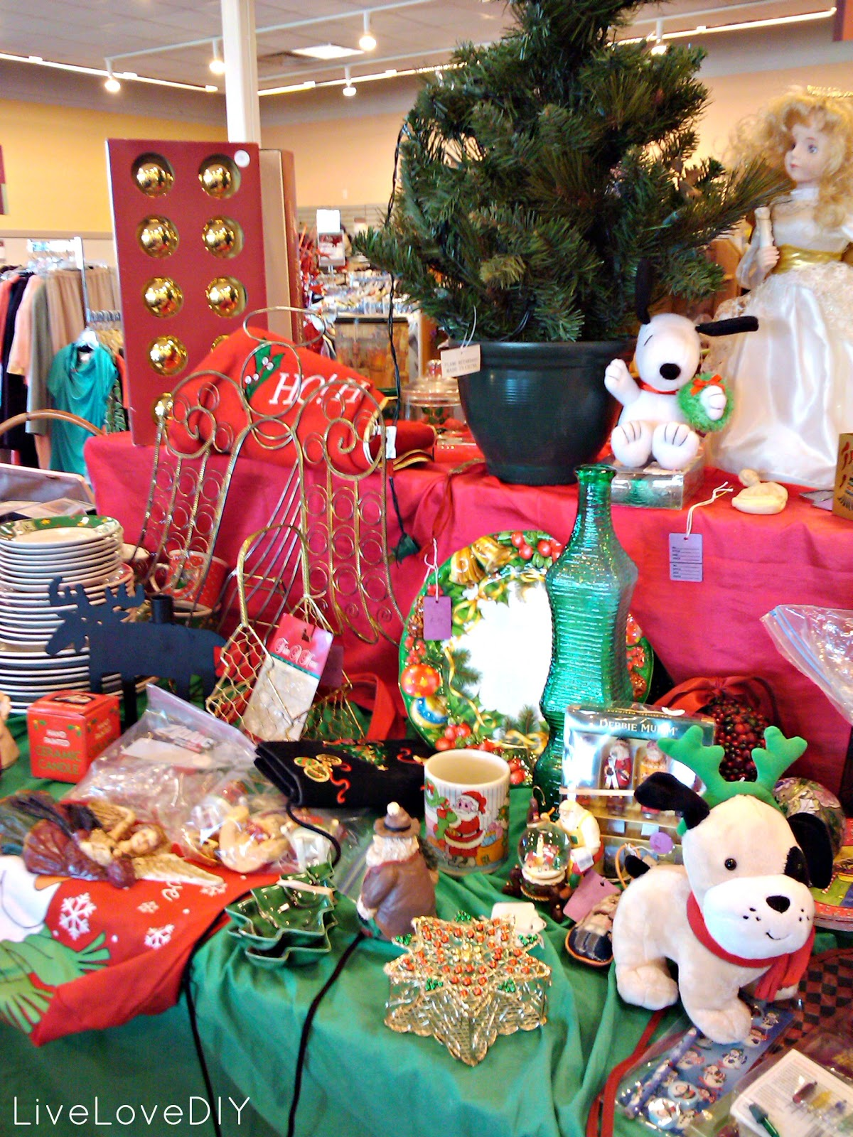 livelovediy how to shop at a thrift store for christmas decor - Christmas Decoration Stores Near Me