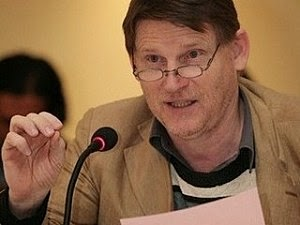 La fessée par Michel Collon: Ou quand on fais enfin du vrai journalisme d'investigation 132146