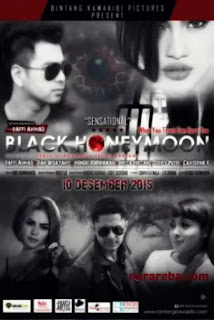 "Nikita Mirzani dalam film ""Black Honeymoon"" (2015)"