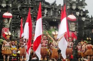 Papua Meriahkan Pesta Kesenian Bali (PKB) 2013 dengan Menari Mambesak dan Mambo Simbo