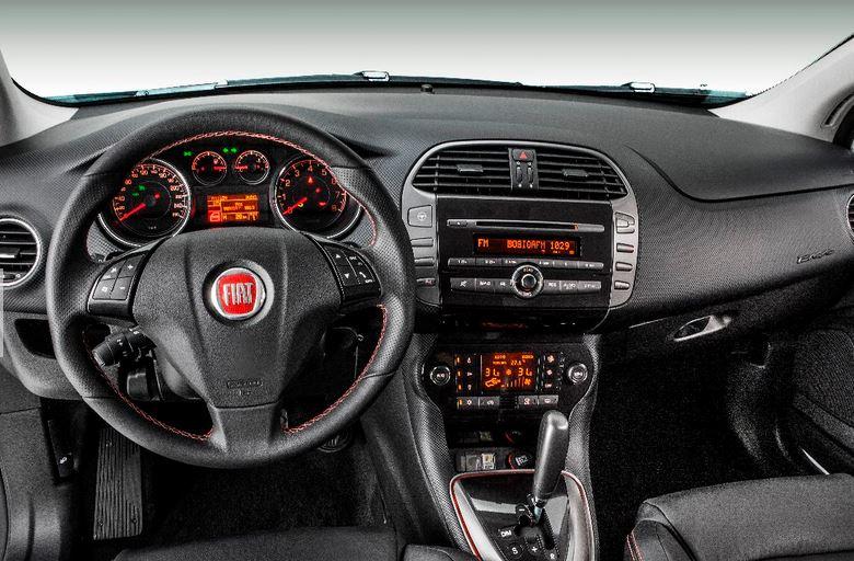 car i Fiat Bravo 2014