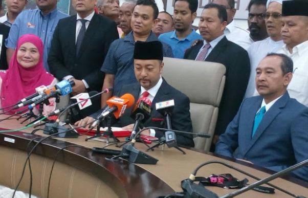 Mukhriz Umum Lepaskan Jawatan Menteri Besar Kedah Serta Merta