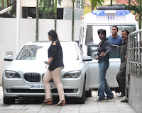 Shahrukh Khan meet the Hrithik Roshan at Hinduja Hospital after successful brain surgery