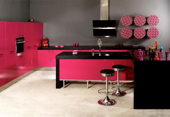 Decoracion actual de moda cocinas con mucho color - Cocina rosa ...