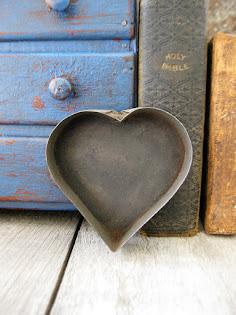 tin heart mold