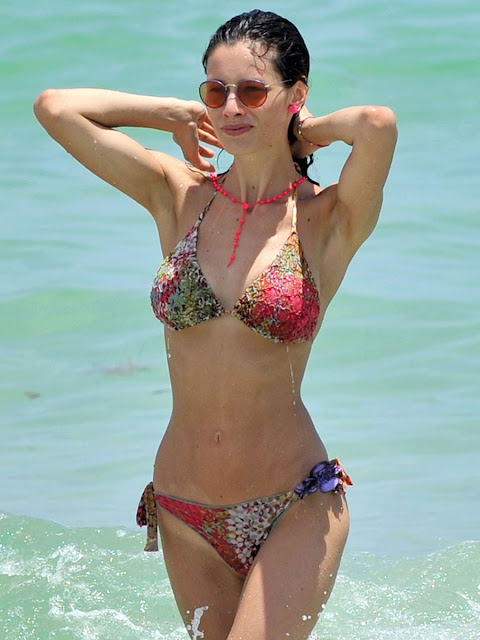Marica Pellegrinelli Wearing A Tiny Bikini And Flaunting Her Ass In Miami