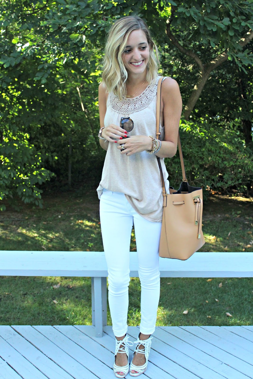 white jeans neutral outfit