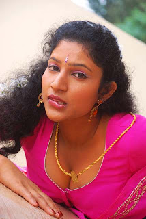 Kalla Parunthu Tamil Movie 2011  Stills 81.jpg