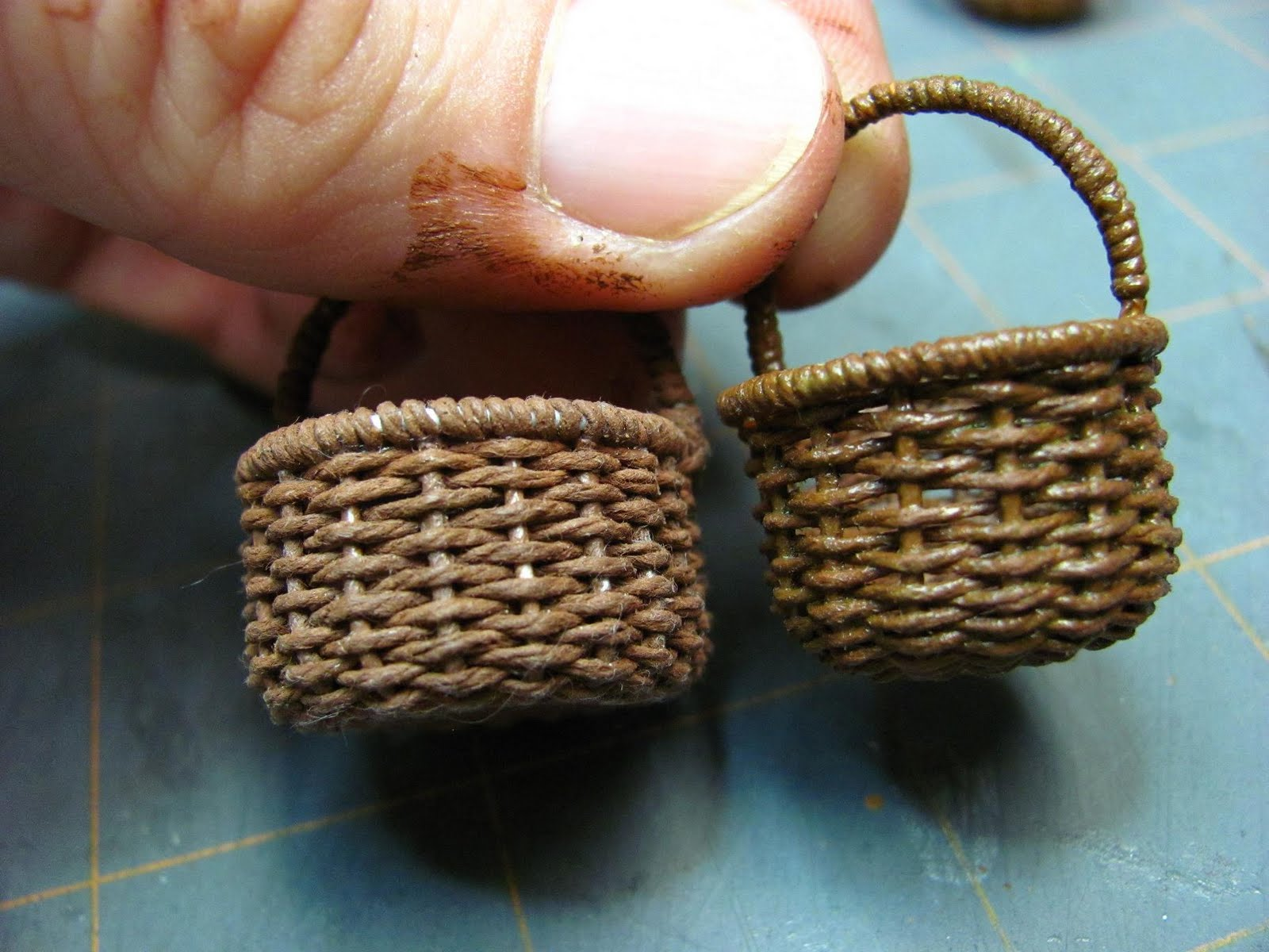 How To Make A Weave A Basket : Dollhouse miniature furniture tutorials inch minis