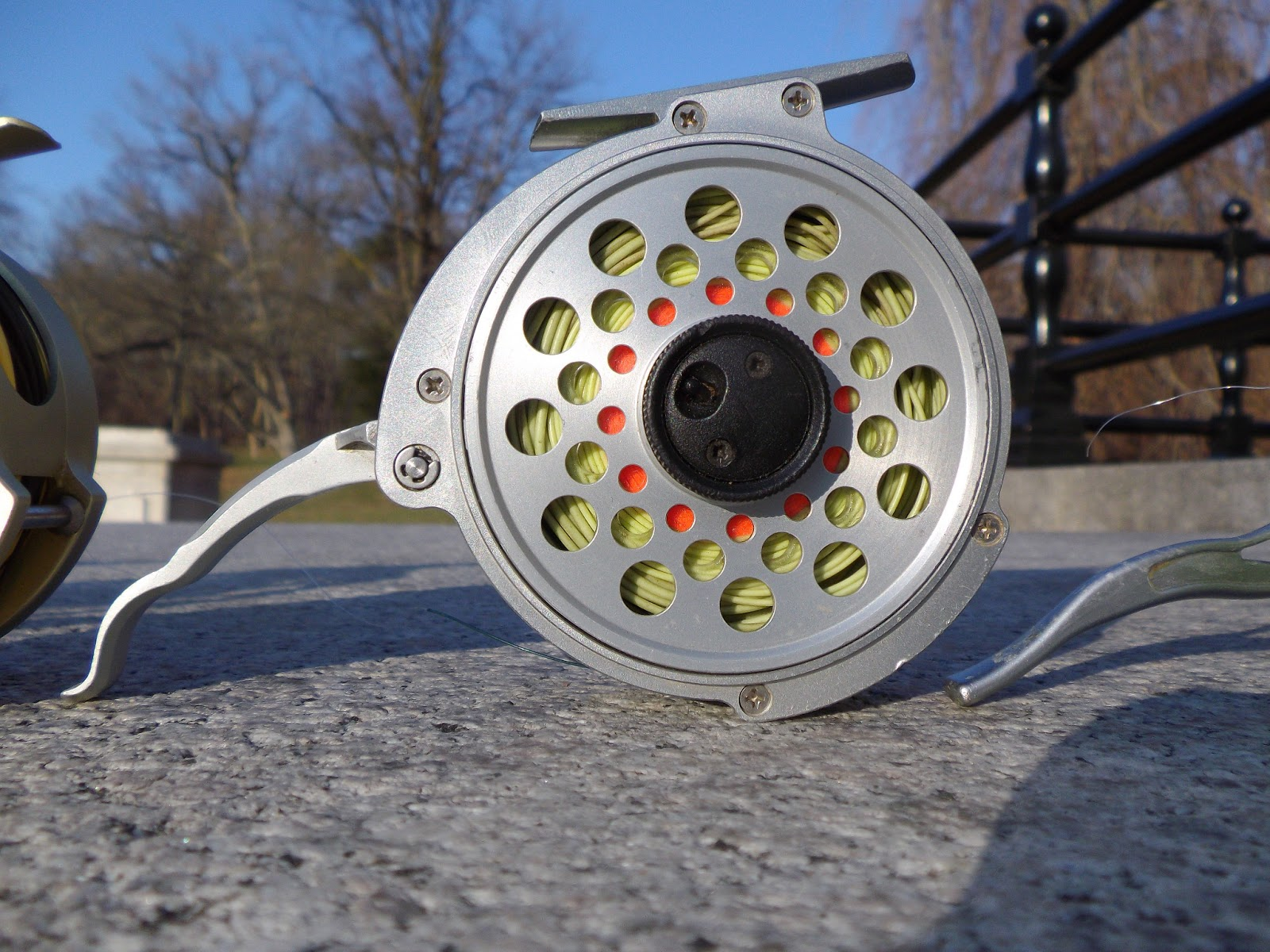 The great lakes of nyc the best semi automatic fly reels for Automatic fishing reel
