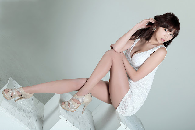 2 Lee Eun Hye in White Mini Dress-Very cute asian girl - girlcute4u.blogspot.com
