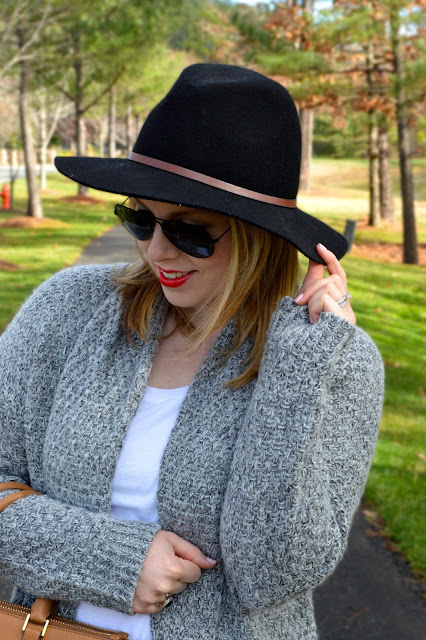 black-fedora-outfit
