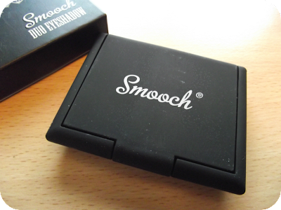 Smooch eyeshadow compact