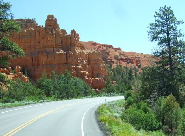 bullwinkle 39 s travels bryce canyon city. Black Bedroom Furniture Sets. Home Design Ideas