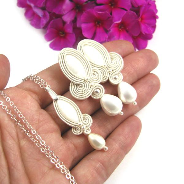 Eleganckie kolczyki ślubne sutasz ivory z perłami