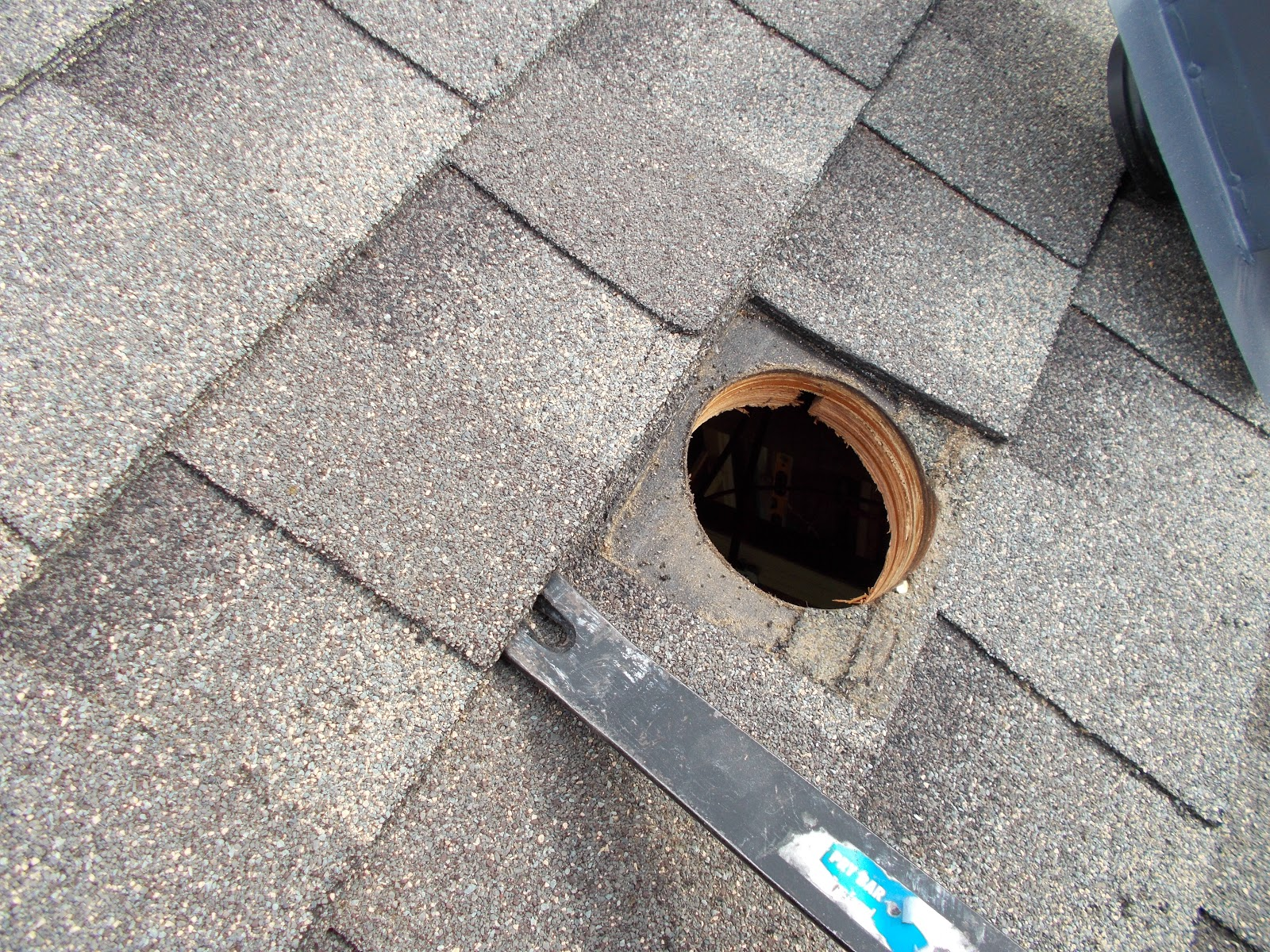 Venting A Bathroom Fan Through The Roof - Installing roof vent for bathroom exhaust fan