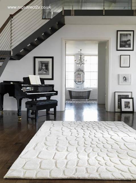 Alfombra blanca diseño contemporáneo patrón sobre-relieve