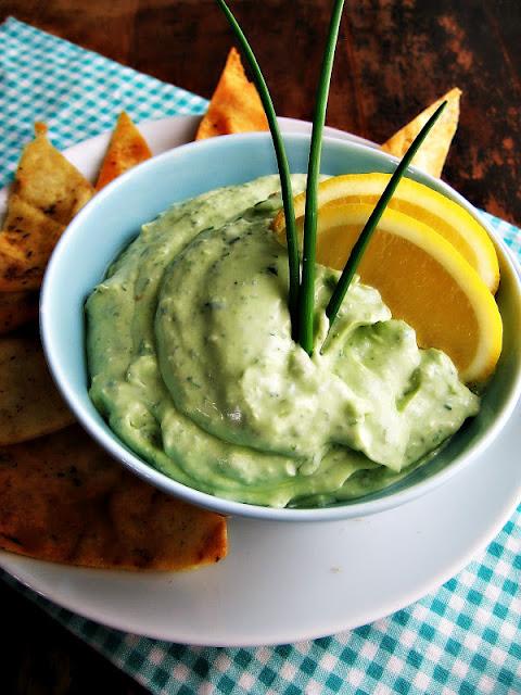 sweetsugarbean: The Skinny: Creamy Kale & Avocado Dip