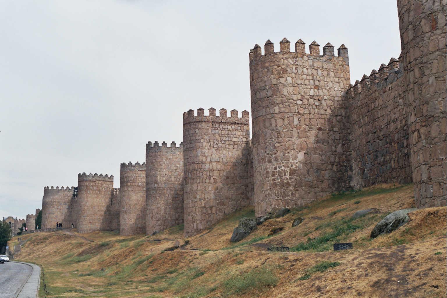 Las historias de doncel asaltos y asedios de fortalezas for Gimnasio 88 torreones avila