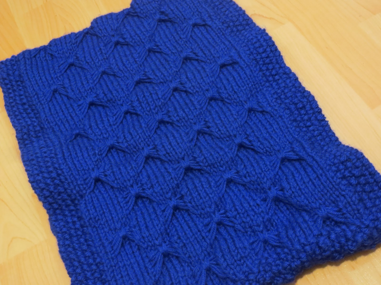 Butterfly Knitting Pattern : Project I.Am.Abbey: Butterfly Stitch - Royal Blue Cowl