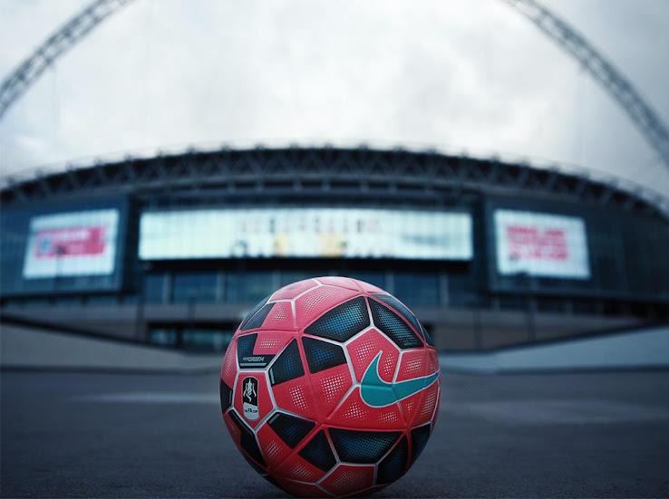 Nueva pelota Nike color rosa que se usará en la FA Cup