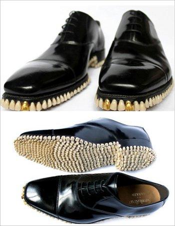 Sepatu Bergigi