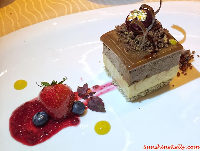 Sea salt caramel mousse, shortbread, mixed berries compote, Dinner with the MasterChef Asia Judges, Westin KL, MasterChef Asia judges, Chef Susur Lee, Chef Bruno Menard, Chef Audra Morrice