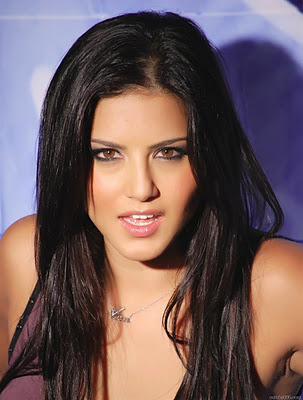 Video  on Hot Actress Spicy Images  Sunny Leone Wallpaper Hot