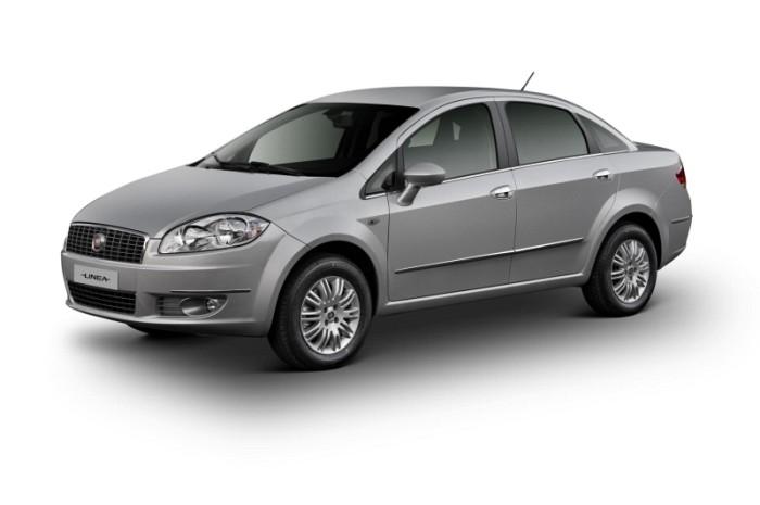 car on Fiat Linea 2013