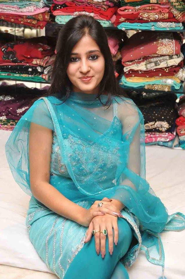 Europe Fashion Mens And Women Wears: Desi Punjabi