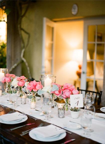 centros florales rosas para boda