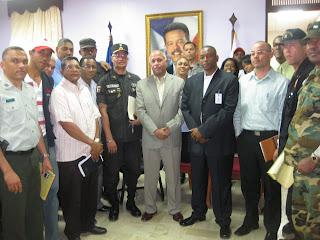 Gobernador Montás dispone vehículos y combustible para operativos semana Santa 2011