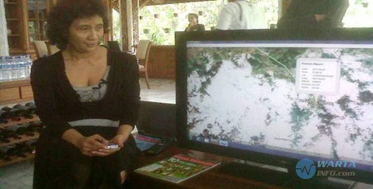 Foto gambar menteri Susi Pudjiastuti Pangandaran pemilik Susi Air