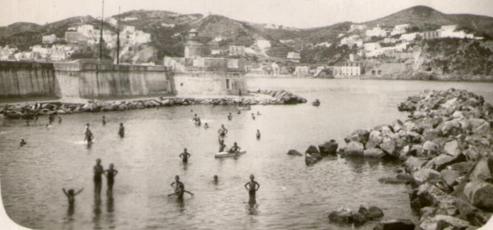 Frammenti di ponza la spiaggia della caletta - La parata bagno vignoni ...