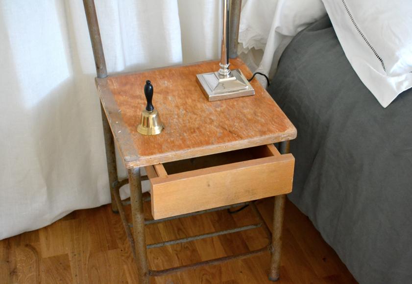 Past present ancienne chaise table de chevet des ann es 50 - Table de chevet ancienne ...