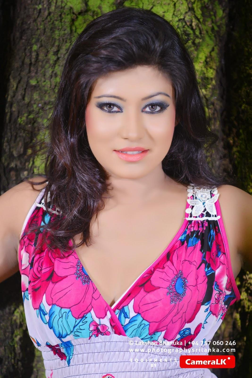 Pawani Madushani pink