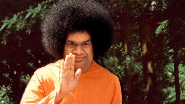 http://4.bp.blogspot.com/-NA0bc0BrdLE/TbQi783NkuI/AAAAAAAAdL4/vml5RvcIiMI/s1600/Sathya-Sai-Baba-4.jpg