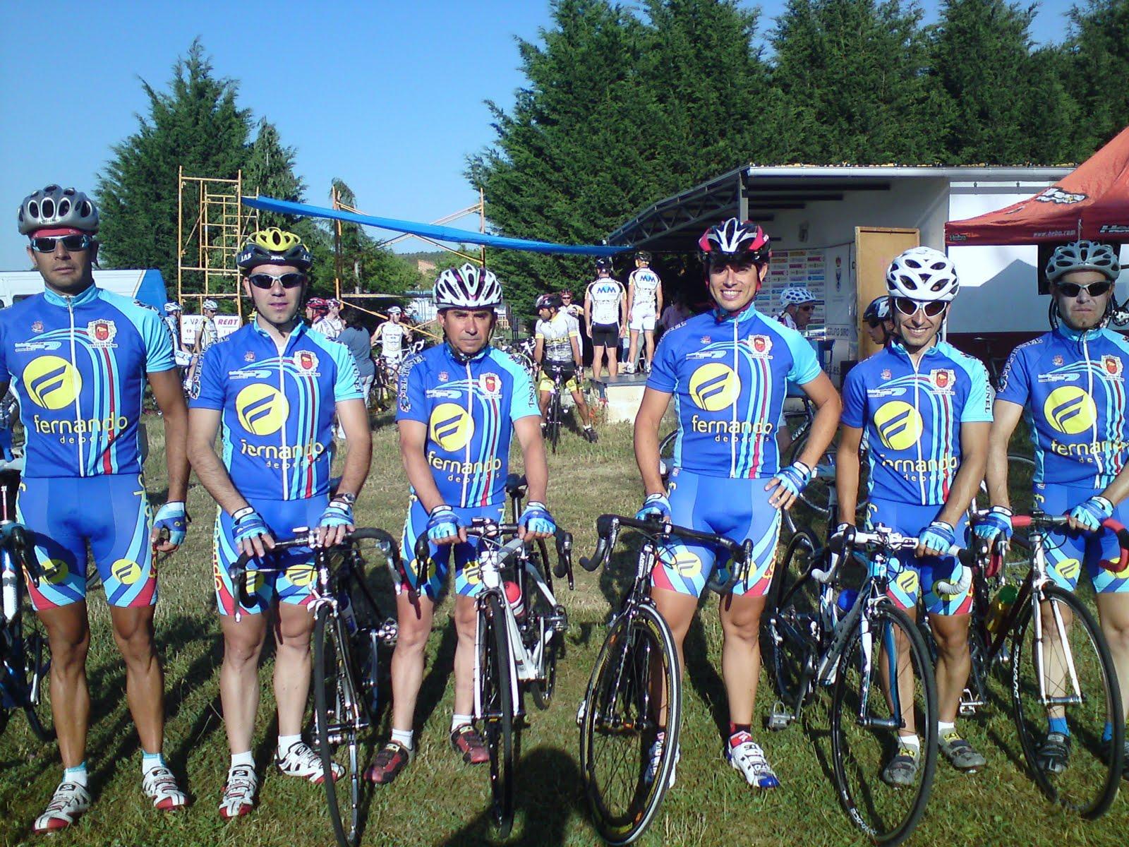Download Images Of Bultos De Ciclistas Y Corredores En Lycra Download