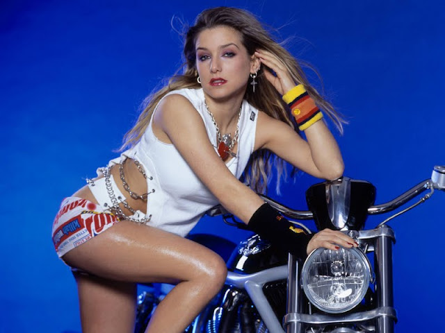 Jeanette Biedermann  Pictures Gallery