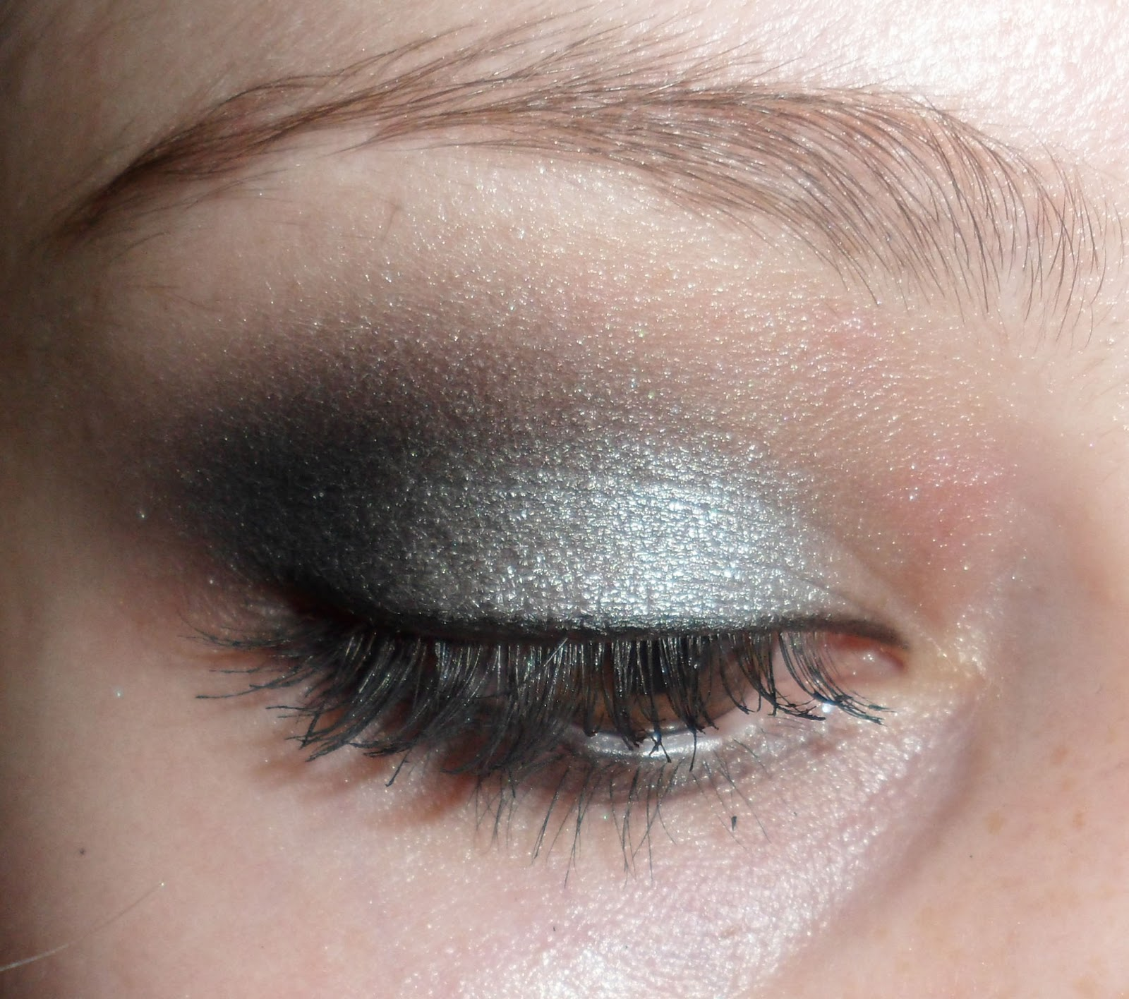 Luhivys Favorite Things Simple Silver And Black Smokey Eye