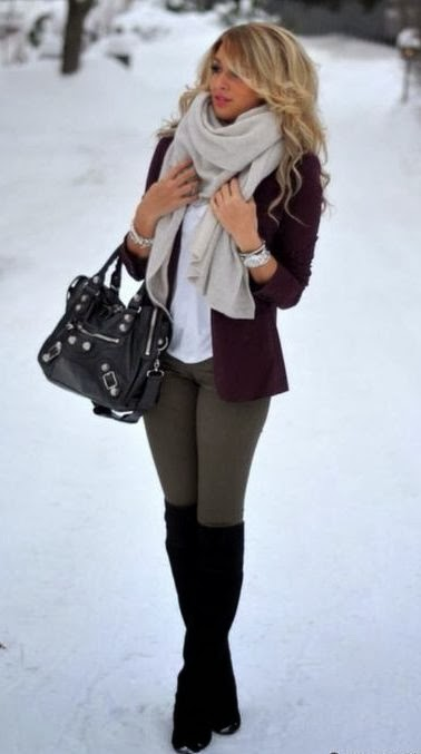 Adorable winter outfit gray blazer with gray leggins white top black boots