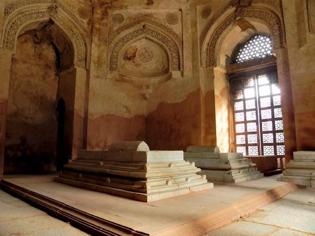 Firuz Shah Tomb, Hauz Khas