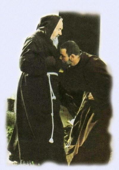 Padre Pio reçut la visite d'une âme du purgatoire... Padre-pio