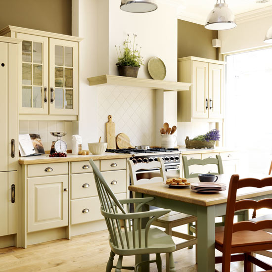 20 steps to the perfect country kitchen for Pictures of country kitchens