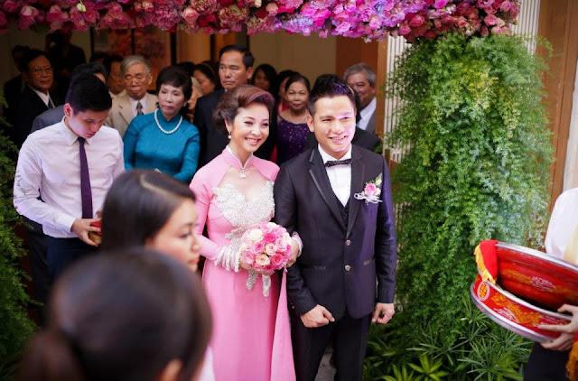 Jennifer Phạm tung ảnh cưới lên facebook