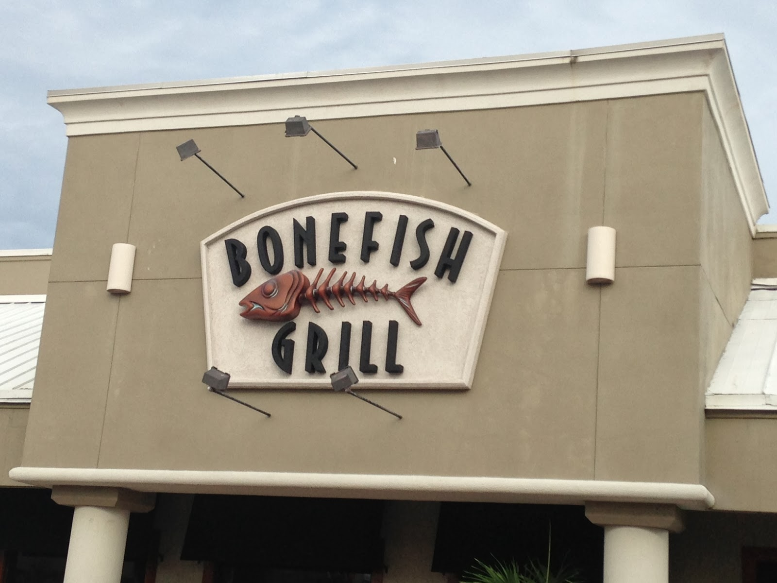 The pastry chef 39 s baking restaurant review bonefish grill for Bone fish grill locations