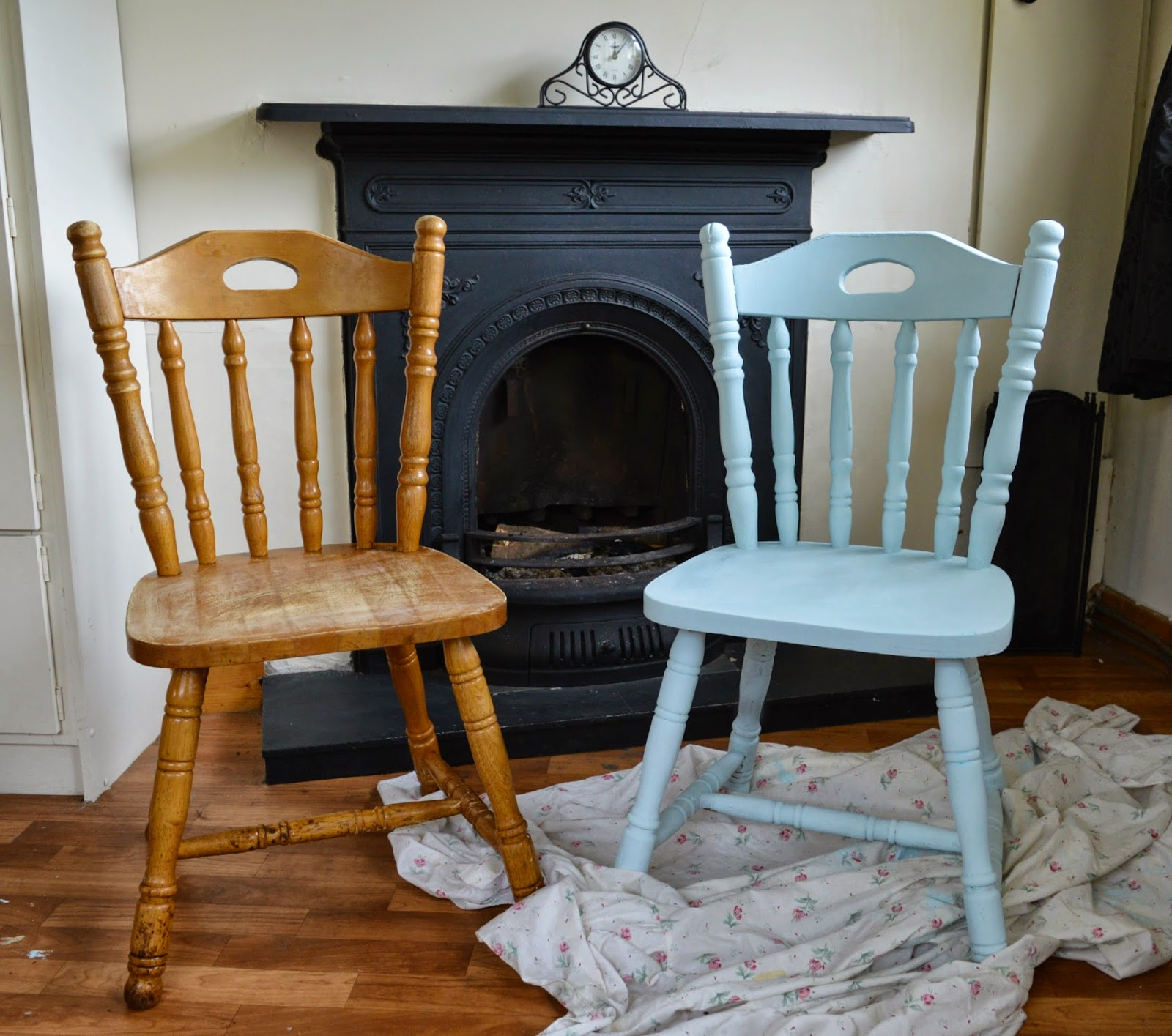 Diy upcycled chairs shabby chic inspired dolly dowsie - Sofas antiguos de madera ...