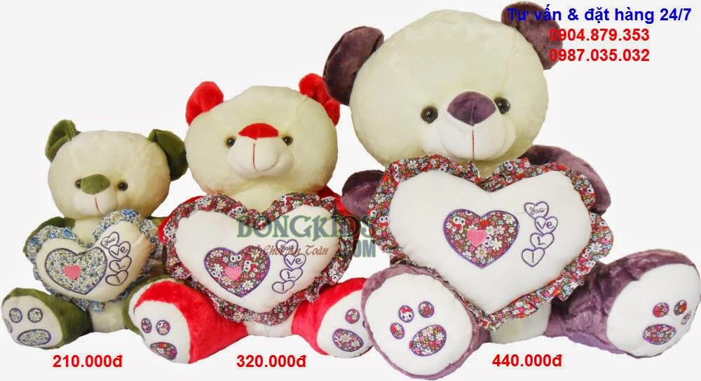 Gấu ôm tim hoa
