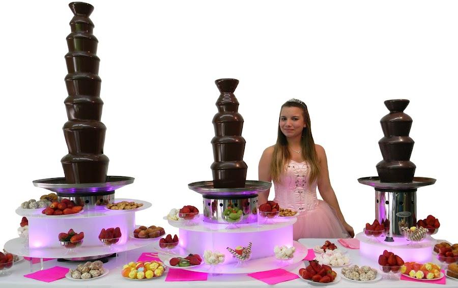 Tres modelos de cascada de chocolate